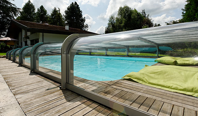 Abri de piscine bas orion sokool for Abri de piscine sesame