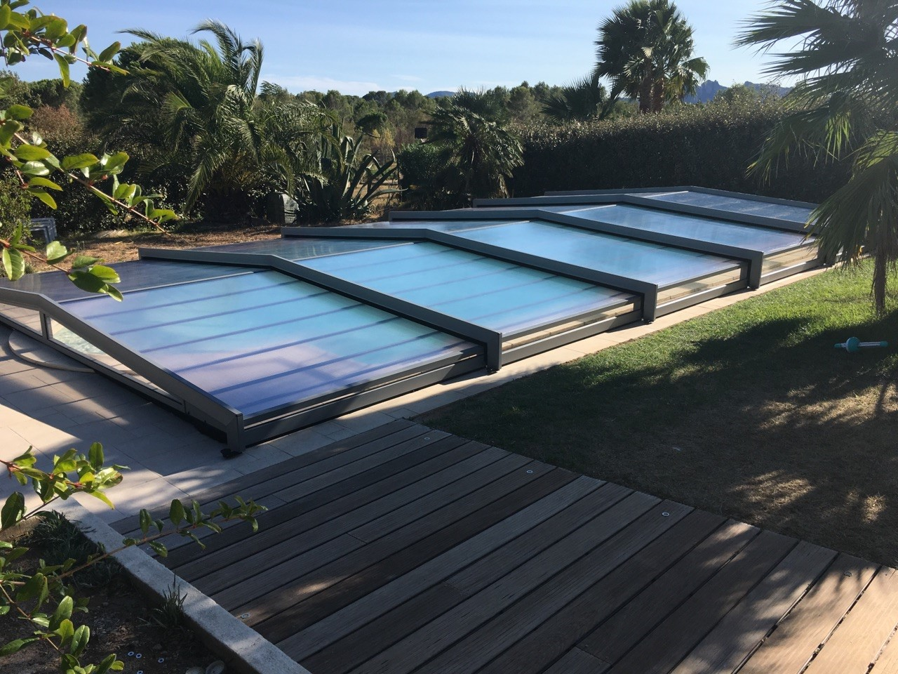 Abri de piscine le plus bas possible à Roquebrune sur Argens 83
